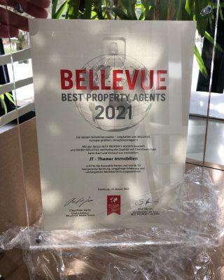 Auszeichnung von BELLEVUE - Europas größtes Immobilien-Magazin - für das Jahr 2021  Mit großer Freude durften wir die Auszeichnung BELLEVUE BEST PROPERTY AGENTS 2021 auspacken und sind stolz, dass JT - Thamer Immobilien dieses Qualitätssiegel erhalten hat und zu den von Bellevue empfohlenen Immobilienunternehmen aus aller Welt gehört.  #topmakler #immobilienbayreuth #bellevuebestpropertyagents2021 #ausgezeichnet #maklerbayern #makler #hausverkauf #bayreuthcity #bayreutherfestspiele #jt #jt_thamer #erwartensiepersönliches #MissionImmobilie #ImmobilienStories #bayreuth #bayreuth2021 #bestewünsche #immobilienmakler #immobilienbayreuth #immbilienverkauf #immobilienbewertung #grüße2021 #bayreuthcity #persönliches2021 #2021vision #2021goals #siegel #auszeichnung #besteimmobilienmakler