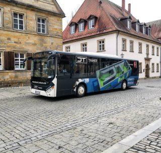 Immer schön auf unseren Bus zu treffen. #bayreuth#bayreutherfestspiele#oberfranken#jt_thamer#jt#MissionImmobilie#ImmobilienStories#erwartensiepersönliches#unibayreuth#universitätbayreuth#immobilie#immobilien#immobilienmakler #werbung #kaufen#neu#mietwohnung#miete#studentenwillkommen#schön#2020