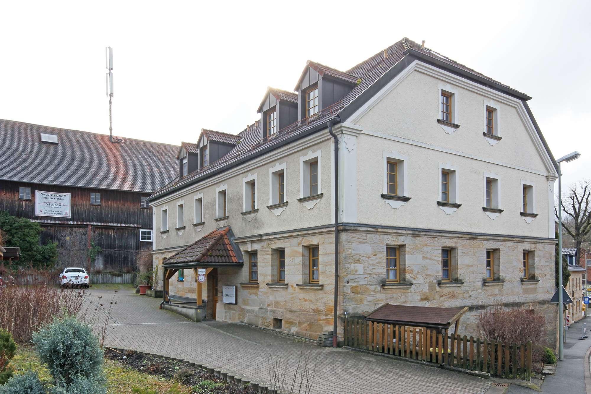 Gute Kapitalanlage: Schicke Eigentumswohnung in Gesees mit Balkon und Stellplatz!