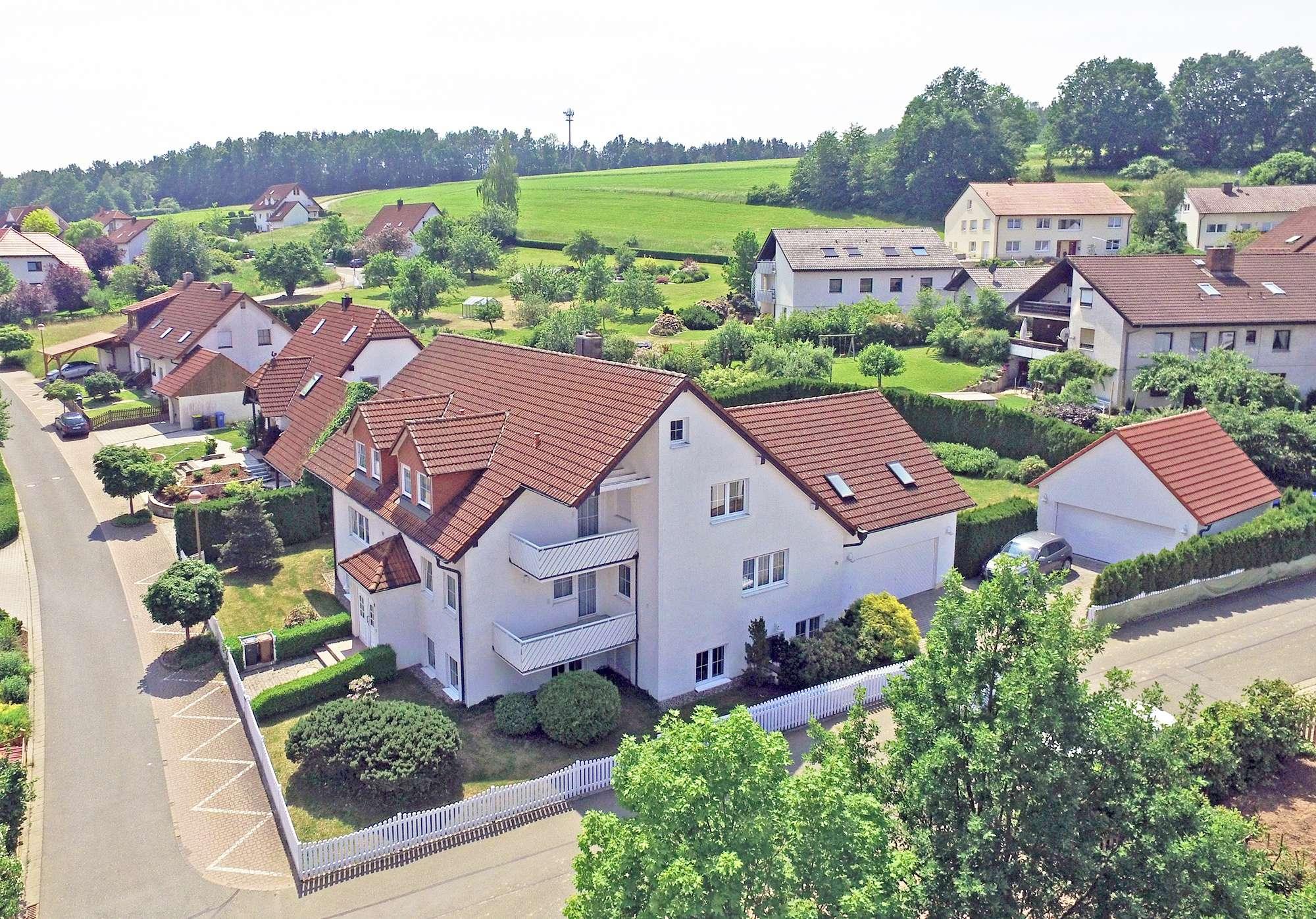 Hochwertiges Einfamilienhaus in Heinersreuth für die große Familie mit Einlieger-/Bürobereich im UG!