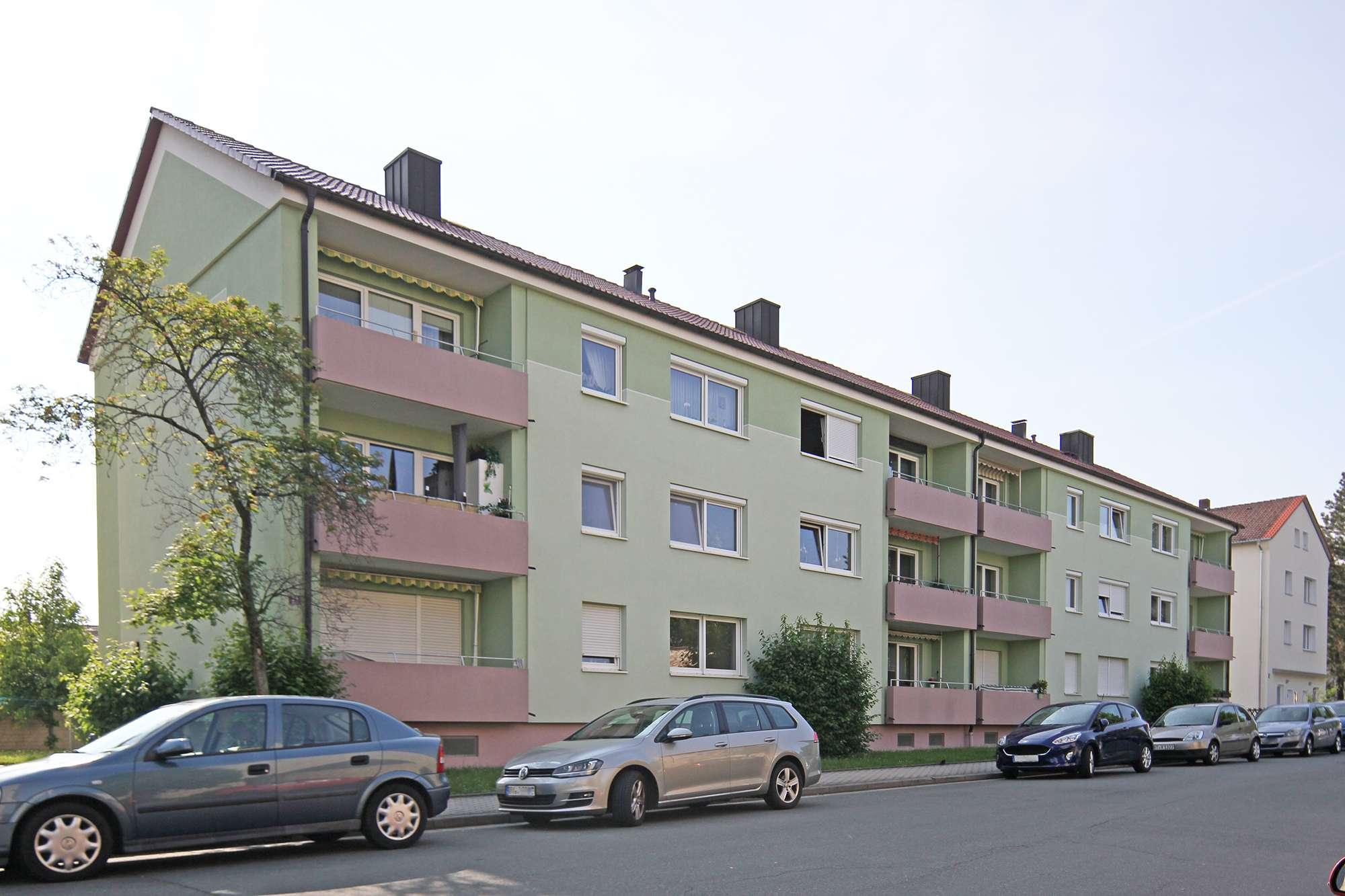 2020 sanierte 4-Zimmer-Mietwohnung mit Balkon und Garage in zentraler Lage!