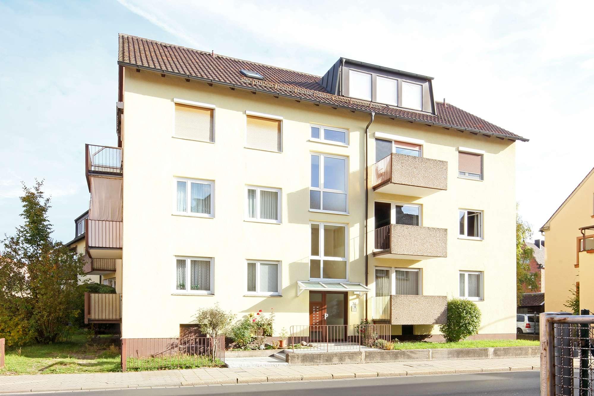 Großzügige 3-Zimmer-Wohnung mit Balkon in gepflegtem Wohnhaus im Zentrum der Stadt!