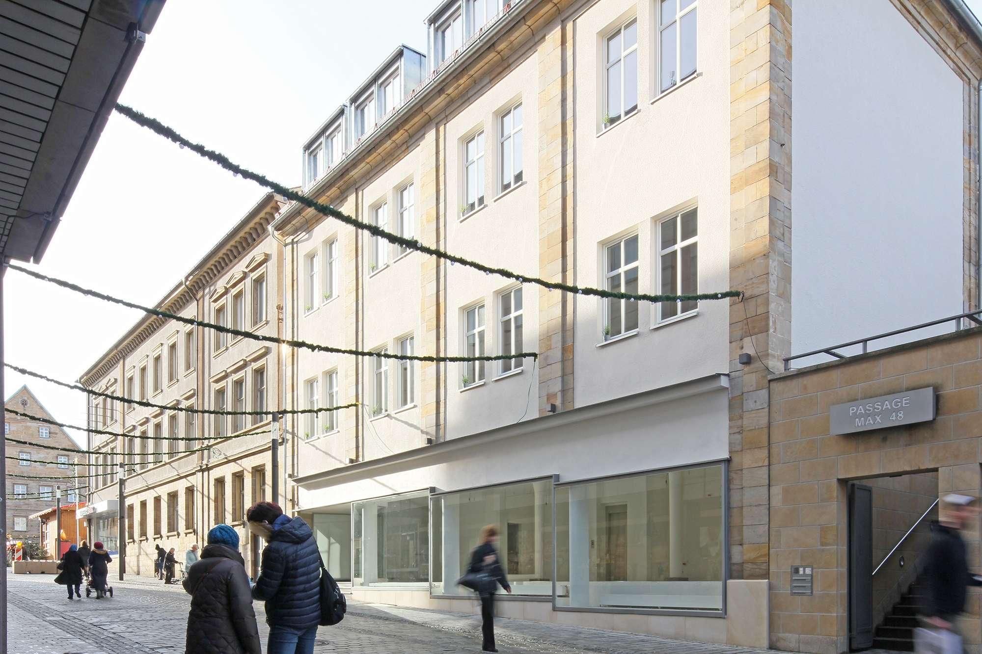 2019 kernsanierte Ladenfläche am Marktplatz/ZOH mit ca. 18 Metern Schaufensterfront!