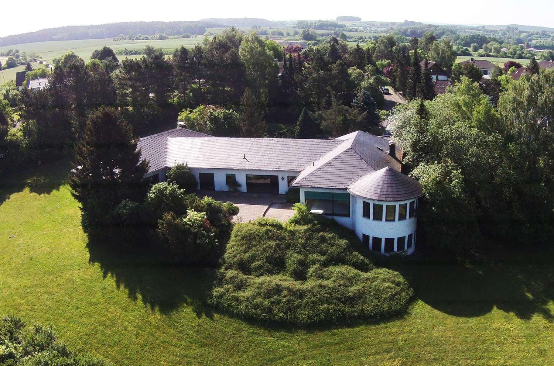 Anwesen mit Unternehmervilla und ca. 8.400 m² Grund mit Blick auf die Veste Coburg!