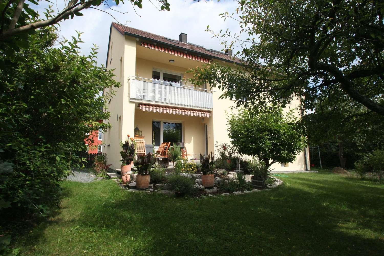 Elegante, modernisierte 4-Zimmer-Wohnung mit Balkon & Garten!