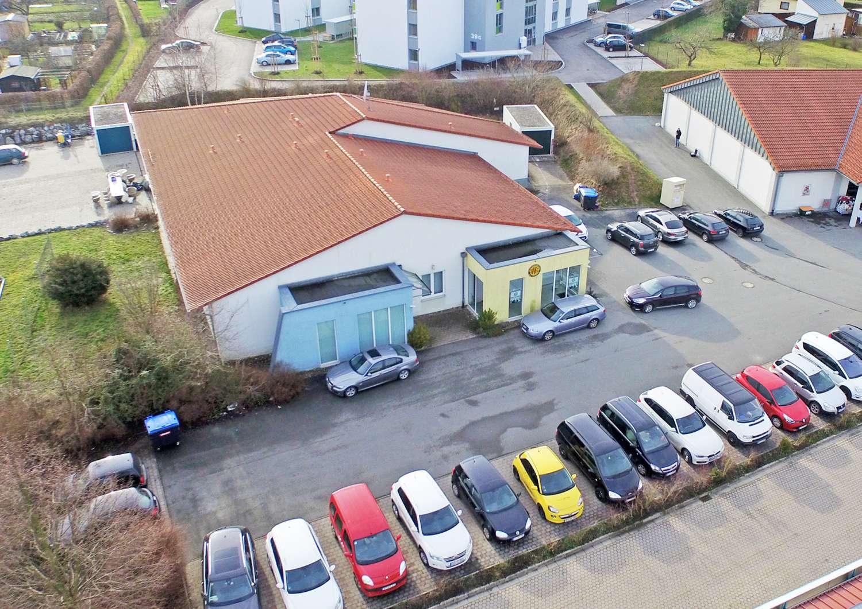Attraktive, barrierefreie 2001´er Gewerbeimmobilie in Bayreuth mit ca. 25 Parkplätzen!