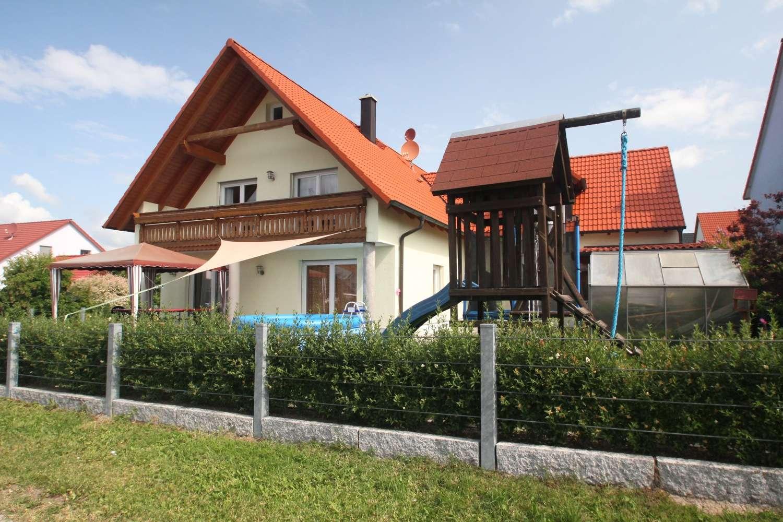 Großzügiges & Kinderfreundliches Wohnen im Neubauviertel Bindlacher Berg, riesige Südterrasse!