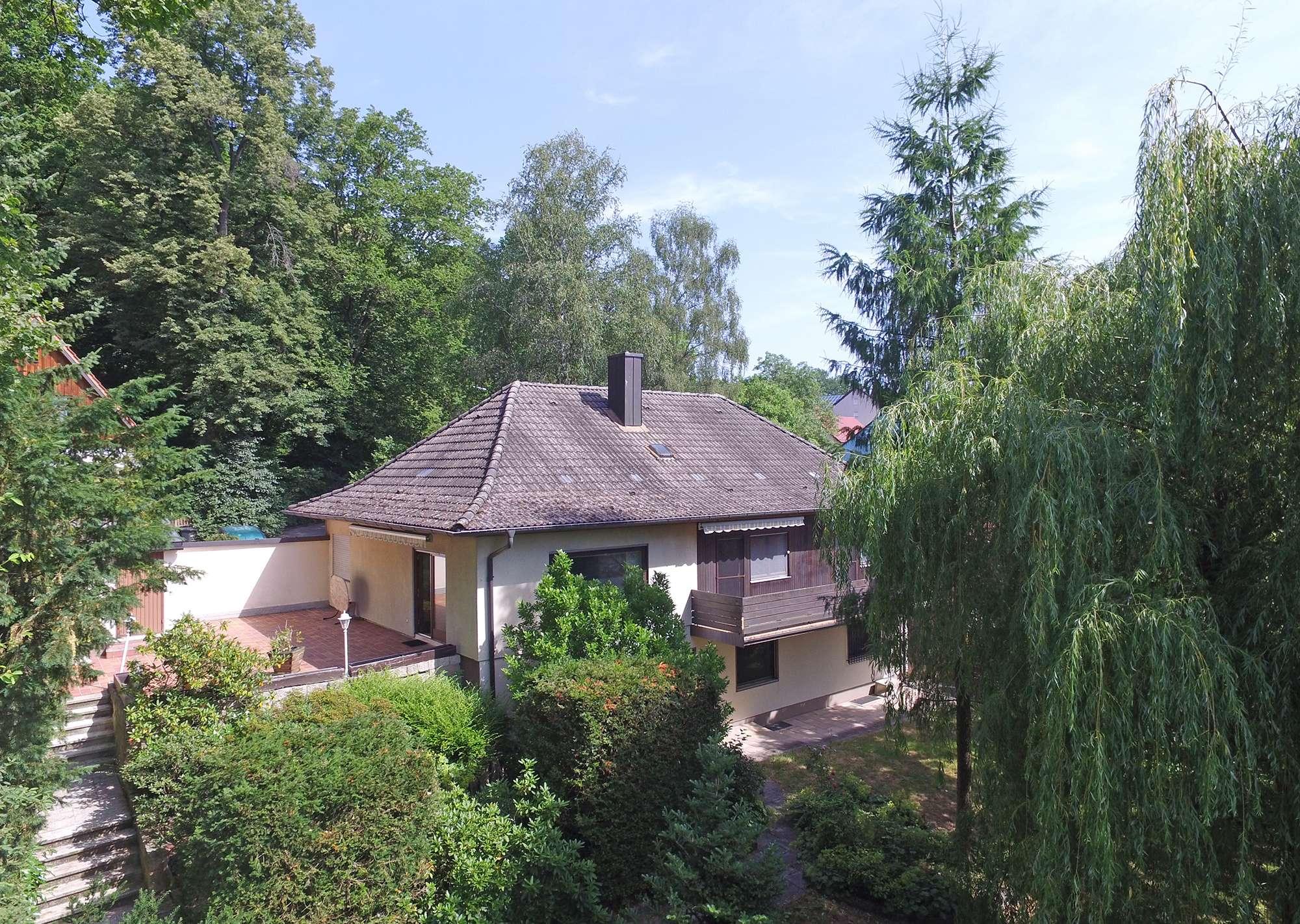 Anwesen mit viel Potenzial und 1.036 m² Grundstück in Meyernberger Traumlage!