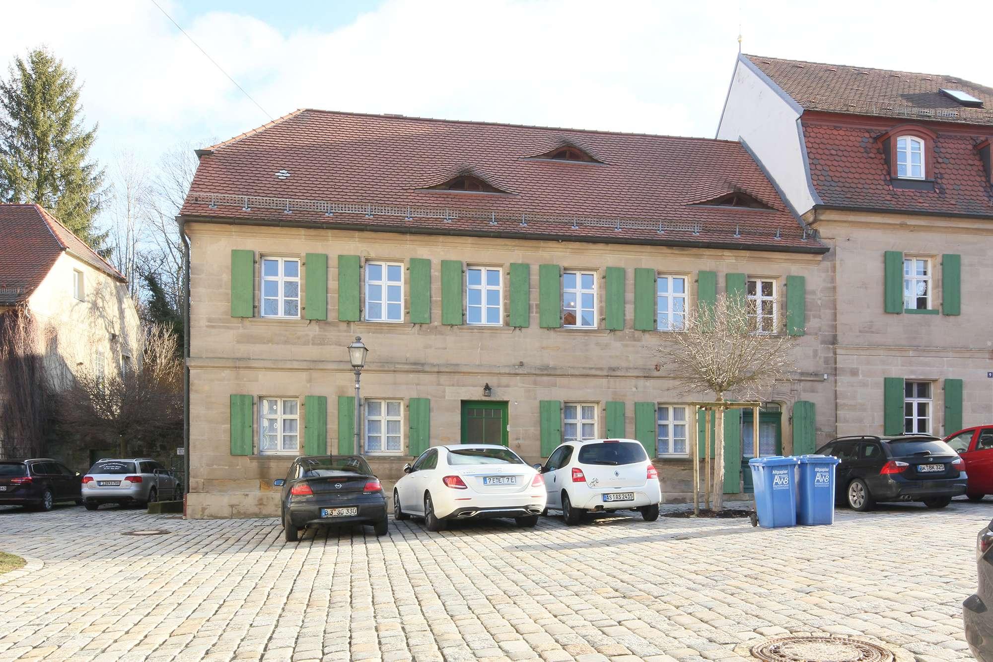 Neu aufgebaute 4-Zimmer-Architektenwohnung in historischem Anwesen in Weidenberg, Neubauflair!