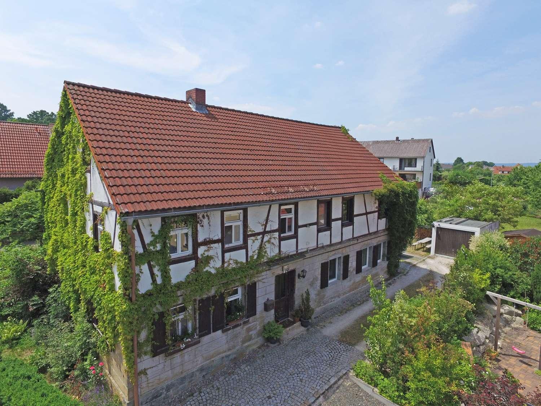 Top saniertes Sandsteinhaus mit insgesamt drei Wohneinheiten in ruhiger Lage in Gesees!