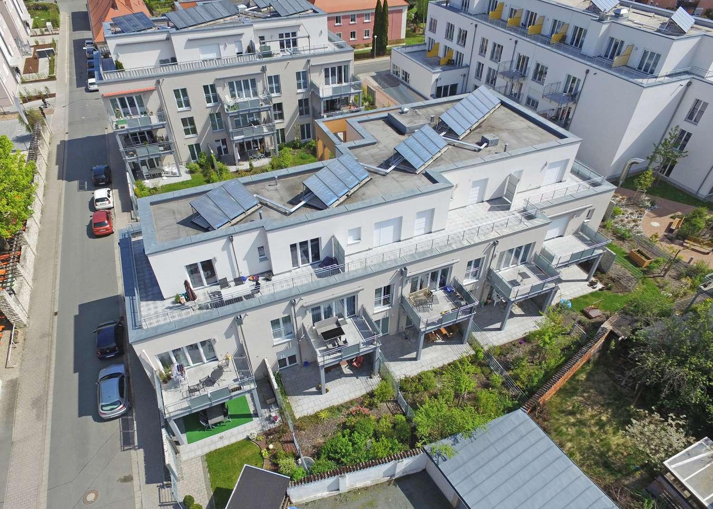 2-Zimmer-Penthouse-Wohnung mit großzügiger Dachterrasse, betreutes Wohnen möglich!
