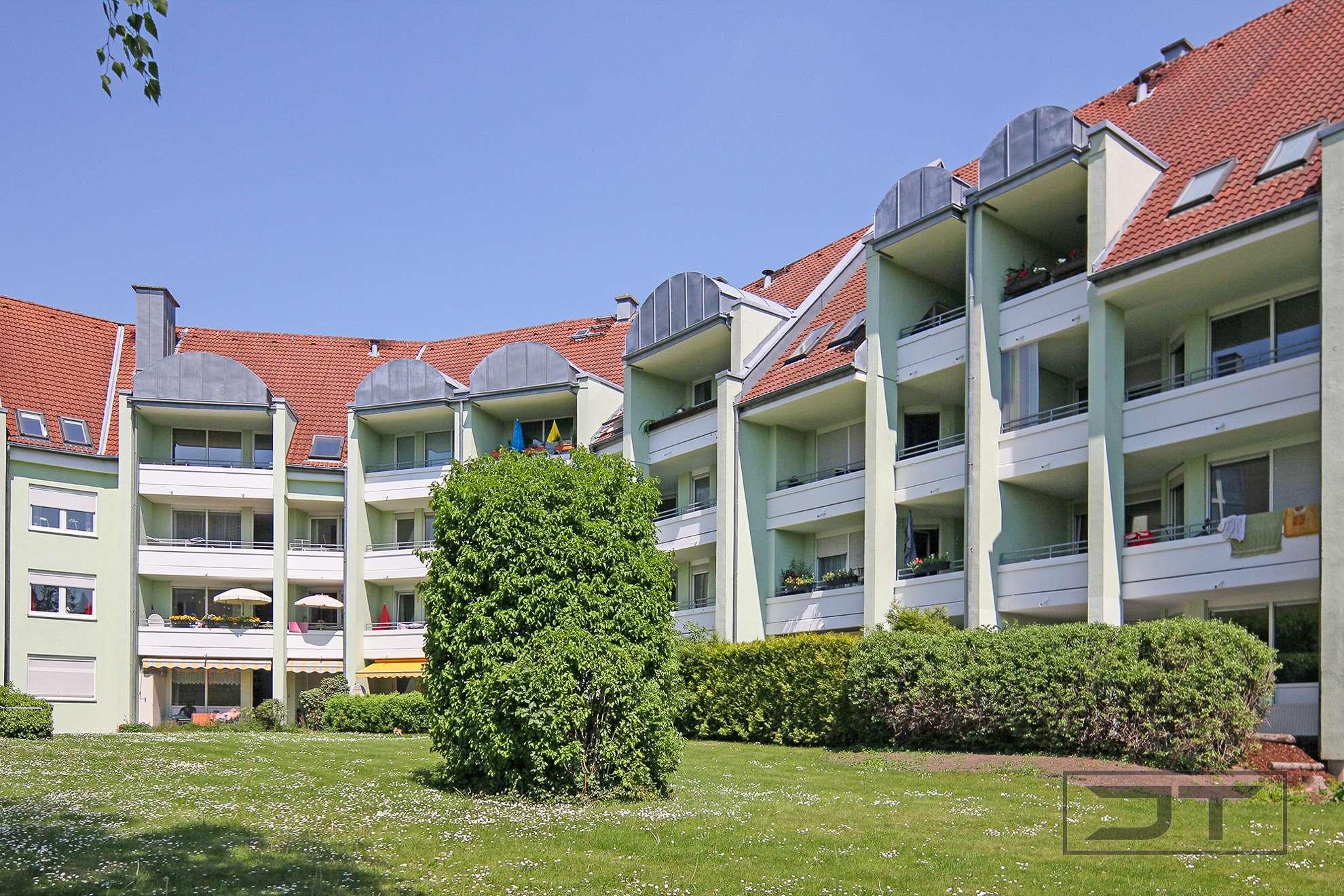 Modernisierte 3-Zimmer-Wohnung mit Loggia und schicker Einbauküche, Nähe Universität & Hofgarten!