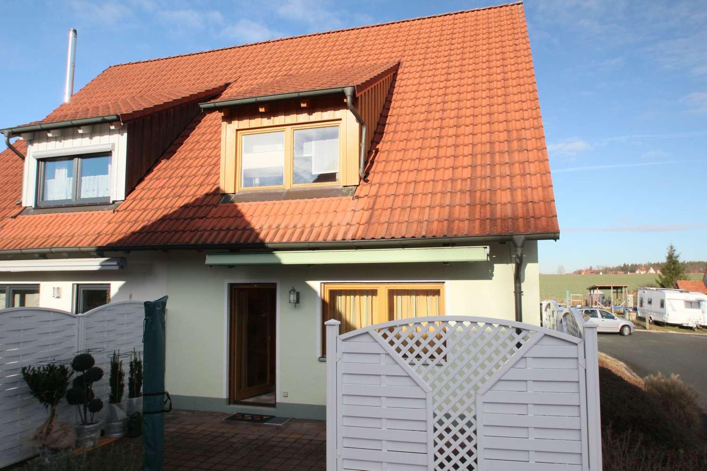 Attraktive 1994´er Doppelhaushälfte mit Süd-Terrasse in ruhiger, beliebter Wohnlage!