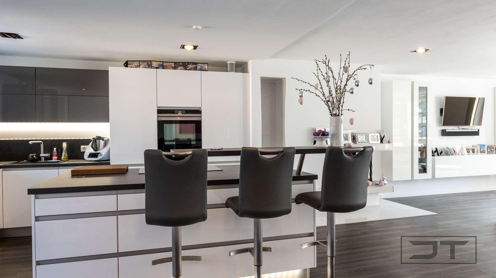Kernsanierte 4,5-Zimmer-Wohnung im Bayreuther Zentrum mit Balkon, Kamin und offenem Schnitt!