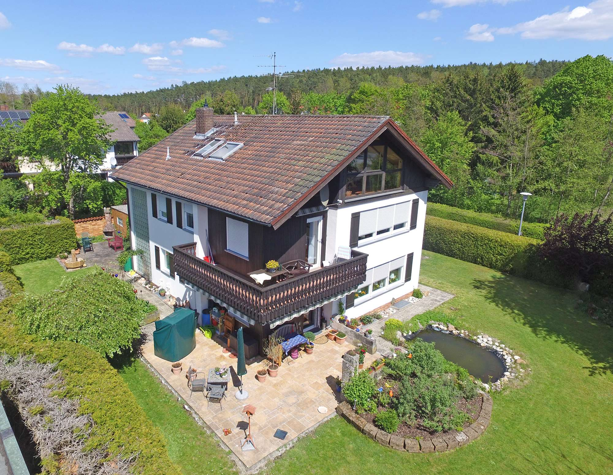 Ideale Kapitalanlage: Sonnige 3,5-Zimmer-EG-Wohnung mit großer Terrasse und großzügigem Schnitt!