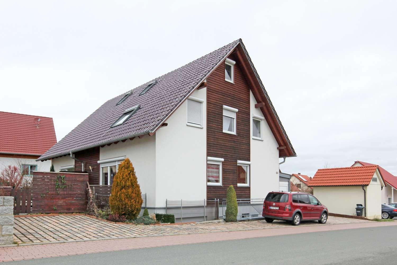 Moderne DHH – Niedrigenergiehaus – im Neubauviertel mit Luft-Wasser-Wärmepumpe-Heizung & Parkett!