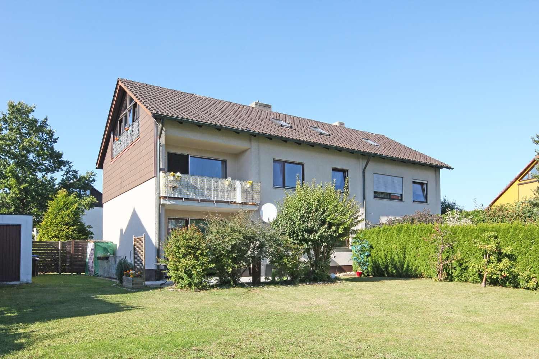 Attraktive Doppelhaushälfte mit ca. 200m² Wohnfläche in bevorzugter Stadtlage, großer Garten!