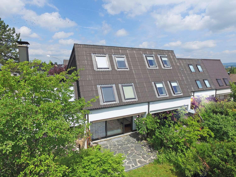 Modern geschnittenes Reiheneckhaus mit Garage und Parkett in sehr guter Lage am Roten Hügel!