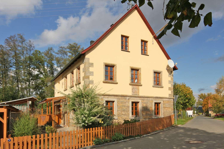 Liebevoll saniertes Sandsteinhaus mit ca. 200m² Wohnfläche, Familienküche und Fußbodenheizung!