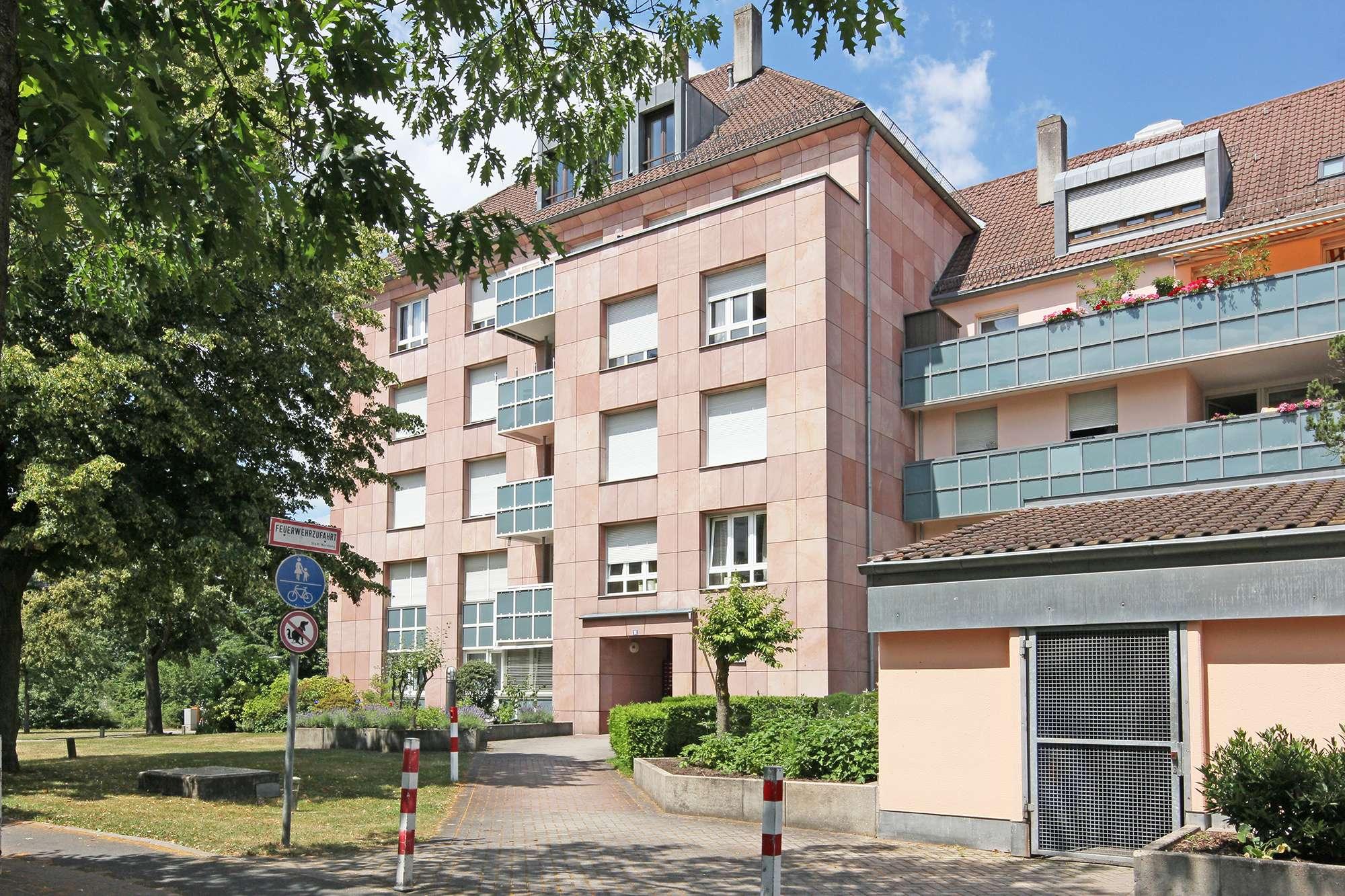 Modernisierte 2-Zimmer-Wohnung mit Balkon & neuer Küche, Blick ins Grüne!