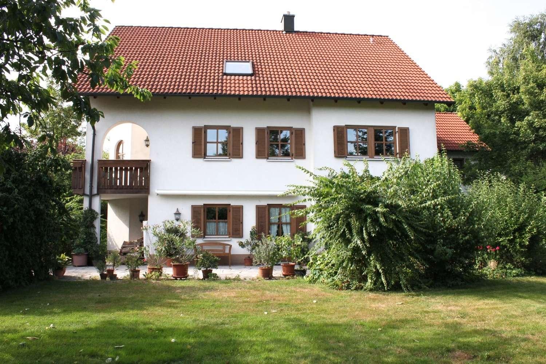 Elegantes Einfamilienhaus vor den Toren Bayreuths mit hochwertiger Ausstattung, Traumgarten & Teich!