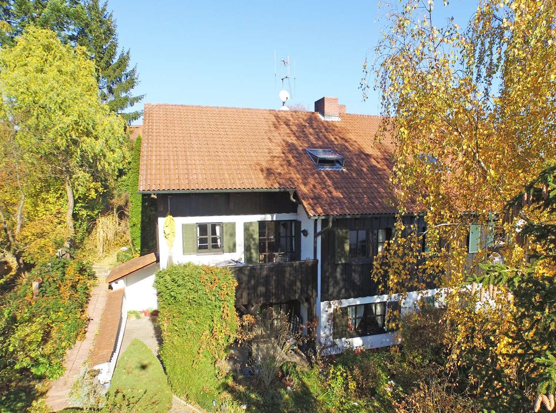 Architekten-Doppelhaushälfte in bevorzugter Lage mit offenem Schnitt und Kamin!